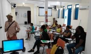 Sincotelba sai na frente e inicia o primeiro curso de inglês no sindicato