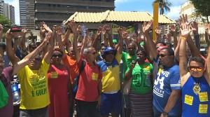 Trabalhadores de Correios aprovam em assembleia manutenção da greve