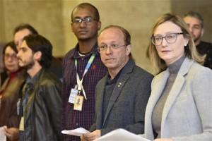 A frente Parlamentar de defesa dos Correios solicita à PGR que o MP investigue as denúncias