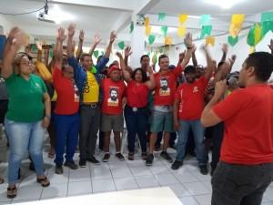 Trabalhadores rejeitam proposta da empresa e aprovam indicativo de greve