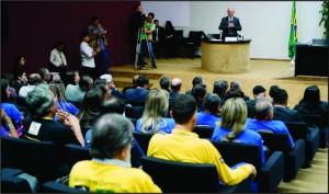 Cunha é demitido por dialogar com os representantes dos Trabalhadores