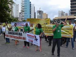 Sincotelba faz manifestação em frente ao prédio central dos Correis pela contratação dos concursados