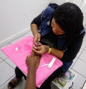 Manicure é realidade no salão do Sócio do Sincotelba